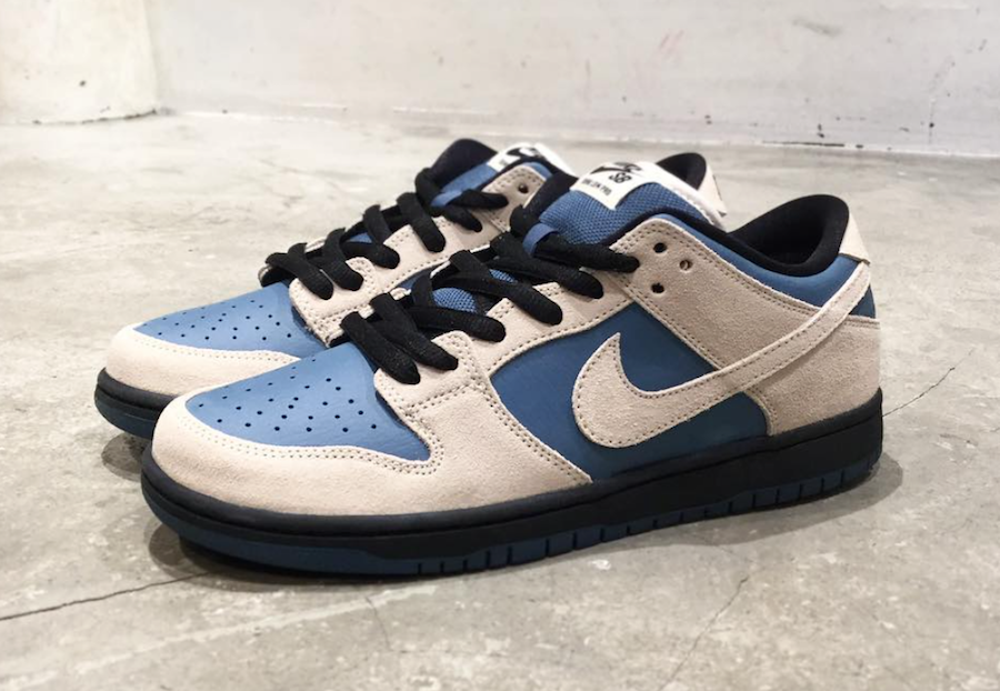 finest selection a3b1d 10caf Nike SB Dunk Low Cream Blue Black Release Date